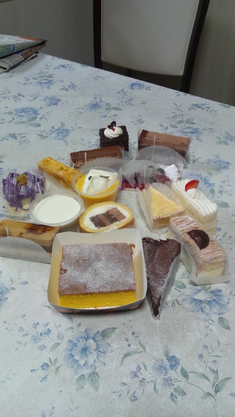 100円ケーキ